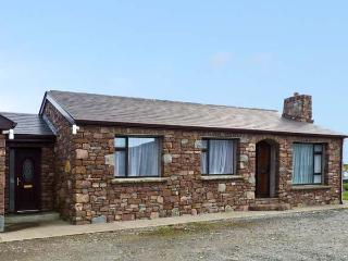 THE STONE COTTAGE, pet friendly in Tully, Ref 928420