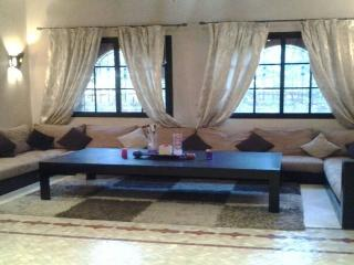 Vacation Rentals Villa 4 bedrooms in Marrakesh REF, Marrakech