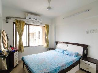 40 minutes frm Airport,free Wifi and breakfast, Mumbai (Bombay)