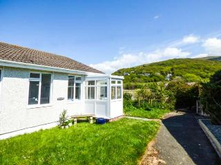 MERRIVALE, all ground floor, conservatory, off road parking, garden, in Fairbourne, Ref 922259