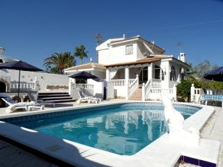 4 Bedroom Detached with pool Av Del Greco, Rojales