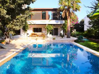 421-Bodrum Bitez 3 Bedroomed Dubleks With Pool