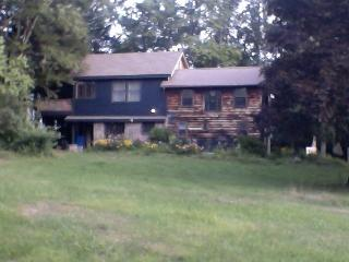 Blue Stone Creek Side Cottage, Accord