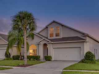 Luxurious 6 bed/ 4 bath Disney villa on Glenbrook,, Orlando