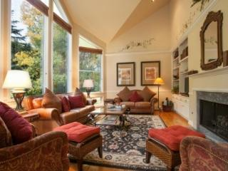 Big Beautiful EagleVail Home! Expansive indoor/outdoor CO living~ Private HOT TUB, creek, trout pond