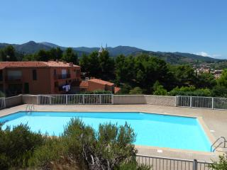 Collioure: apartment with terrace and pool