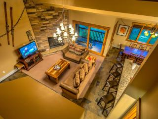 Spacious unit, beautifully upgraded, right across, Steamboat Springs