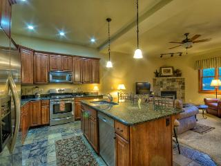 Luxury at The Moraine, Book 4 Nights Get 1 Free!, Steamboat Springs