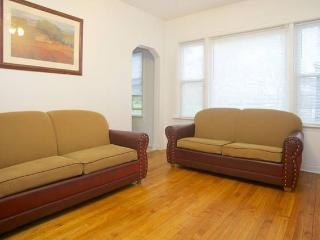 2Bedroom Convenient Apt,Near Rush And UIC Hospital, Chicago
