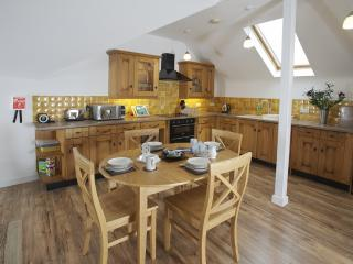Painters Cottage located in Sutton Poyntz, Dorset, Weymouth