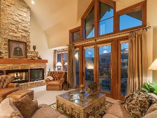 Aspen Ridge 23 - 3 Bedroom 3.5 Bath Townhome Direct Ski in Ski out Ideal Mountain Village Core Location on Meadows Ski Run, Telluride