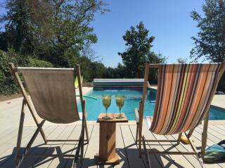 Beautiful French Farmhouse with heated Pool, Crozant