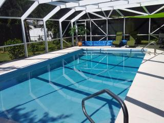 Newly Renovated Pool Home near 4 Beaches and Parks, Venice