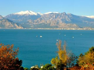 Absolute sea front luxury in city centre., Antalya