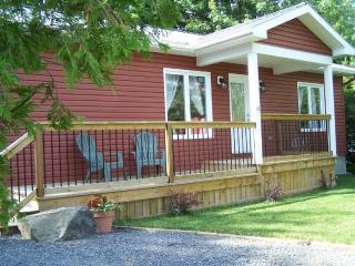 FAMILY, MATURE ADULTS AND PET FRIENDLY REDBUSH, Morrisburg