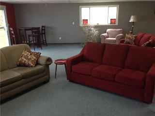 Large Lakeview Vacation Rental - Lake Erie, Lowbanks