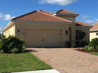 New family friendly luxury home with private pool, Naples