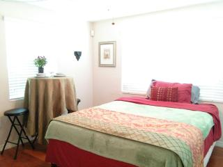 Private Beachside Loft for 2, Clearwater