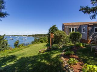 SMYTP - Waterfront - Lagoon, Dock, Privacy and Magnificent Views, Wifi, A/C (2nd Level Living Area), Oak Bluffs