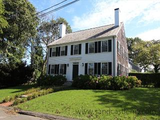 CLASSIC COLONIAL LUXURY HOME IN EDGARTOWN WITH A HEATED POOL, Edgartown