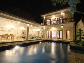Perfect Holiday Beachside Villa, Sanur