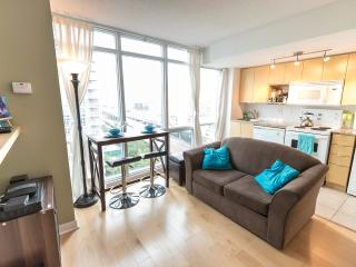 Harbourfront Condo - CN Tower View!, Toronto