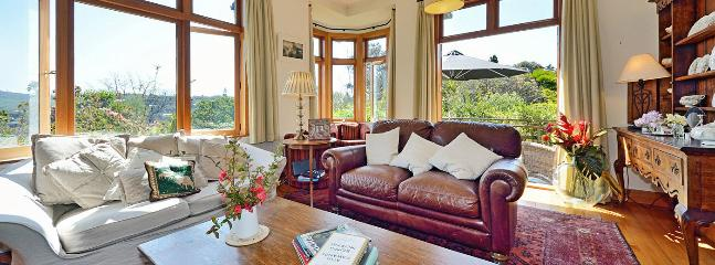 Grampians Retreat - Beautiful Central Nelson Character Holiday Home!