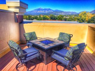 The Sky Deck 2 with A/C! Home Downtown near NAU, Flagstaff