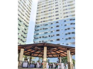 2 BR Condo near SM Aura Mall and 'THE FORT', Taguig City