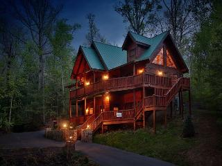 Smoky Mountain Getaway a five bedroom cabin with a theater room and Juke Box., Sevierville