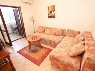 Apart with 2 bdrs in Rafailovici 50m from the sea