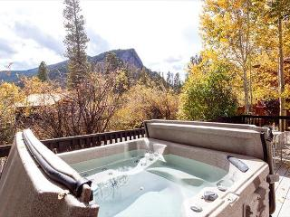 3BR in Frisco with Hot Tub Views of Mt. Royal