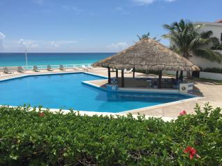 Suites Brisas Front Beach Apartment Ground Floor, Cancun