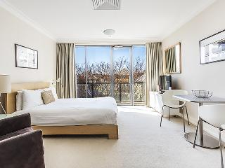 Fully Furnished Apartment!, Milsons Point