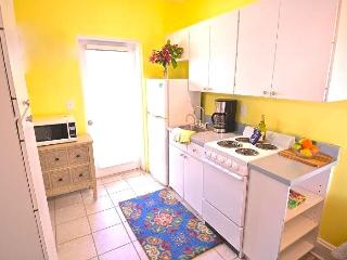 Poet Carriage House 1 Bedroom - Poet #1, Sarasota