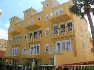 EXCLUSIVE 4 STORY TOWNHOME, Cocoa