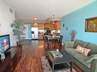 Renovated 2bed Condo, Parking, Walk to Gaslamp, San Diego