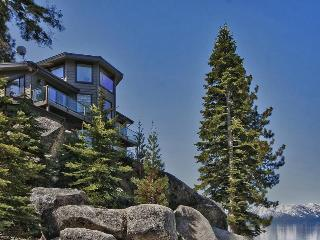 Lake Tahoe Lakeside Cove with Private Beach Access, South Lake Tahoe