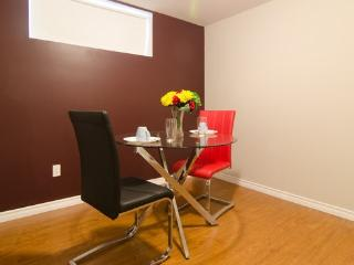 Hotel style furnished Ensuite rooms, Ottawa