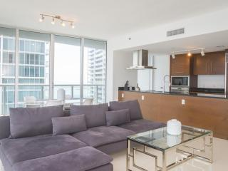 Crisp 2 Bedroom Apartment in Brickell, Miami