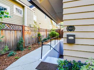 Cozy rental within blocks of Hyde & Camel's Back Park!, Boise