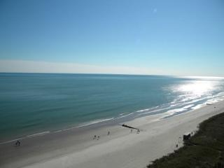 1215 Baywatch Resort: Spacious Oceanfront Three Bedroom, Three Bath Condo- Sleeps 14!, Myrtle Beach