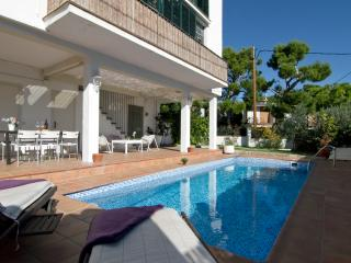 Villa with Private Pool,Garden & 9min to the beach, Sitges