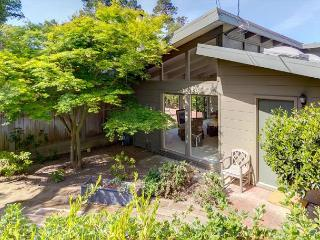 3708 Mid-Zentury-by-the-Sea Upscale Carmel Masterpiece