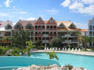 The Coral at Taino Beach: 1-BR with the Loft, Freeport
