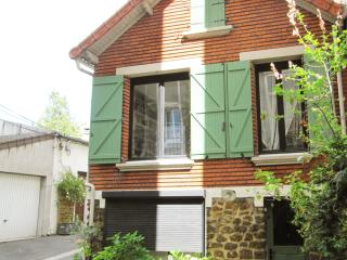 Lovely House in Paris-Les Lilas