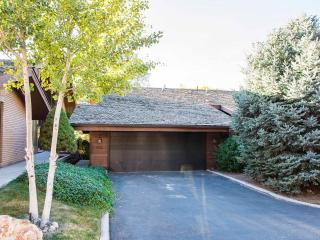 Stay Minutes from Snowbird and Alta!, Cottonwood Heights