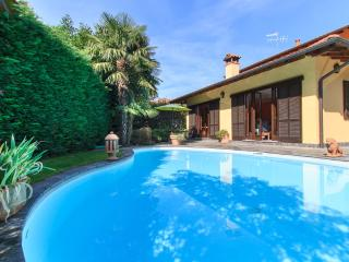 Enchanting villa with private pool, Verbania