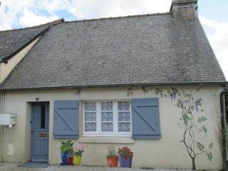 Peaceful 1 Bed Rural Cosy Cottage Brittany, Gouarec