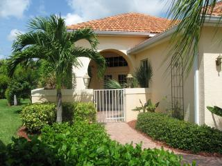 Chic Villa with Marina; Close to Beaches, Fort Myers